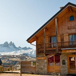 Chalet Zénaïde - station de ski - Albiez Montrond - Savoie - Salon  - Location de vacances - Albiez-Montrond