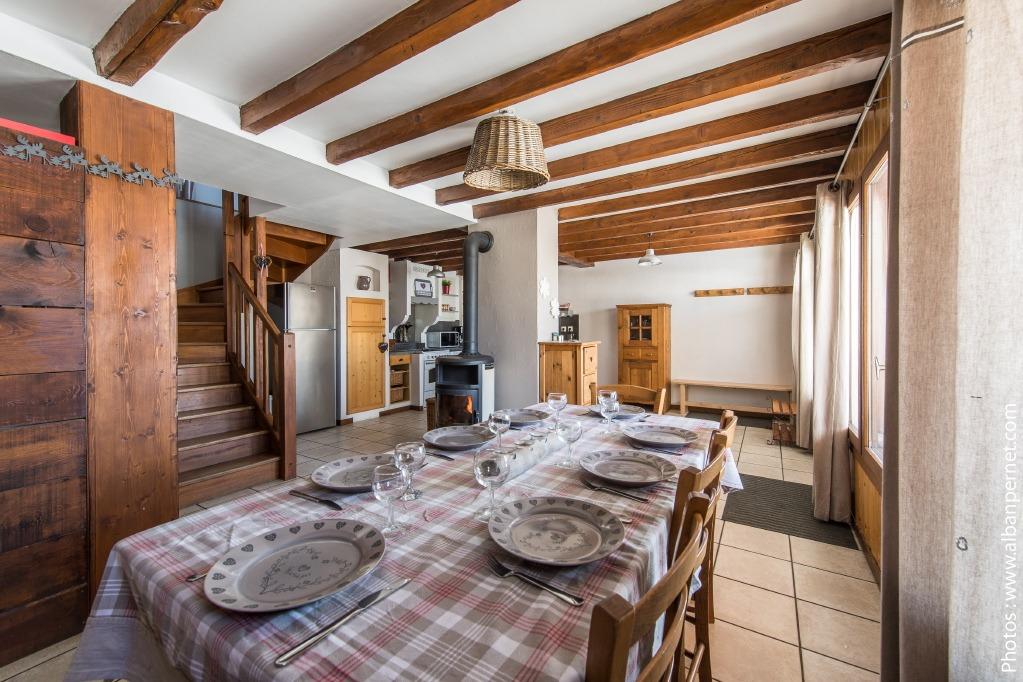 Le Fleur de Neige gîte Albiez Montrond - station familiale en Savoie - espace repas - Location de vacances - Albiez-Montrond