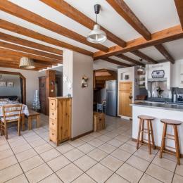Le Fleur de Neige, gîte dans station familiale en Savoie - Albiez Montrond - séjour et cuisine  - Location de vacances - Albiez-Montrond