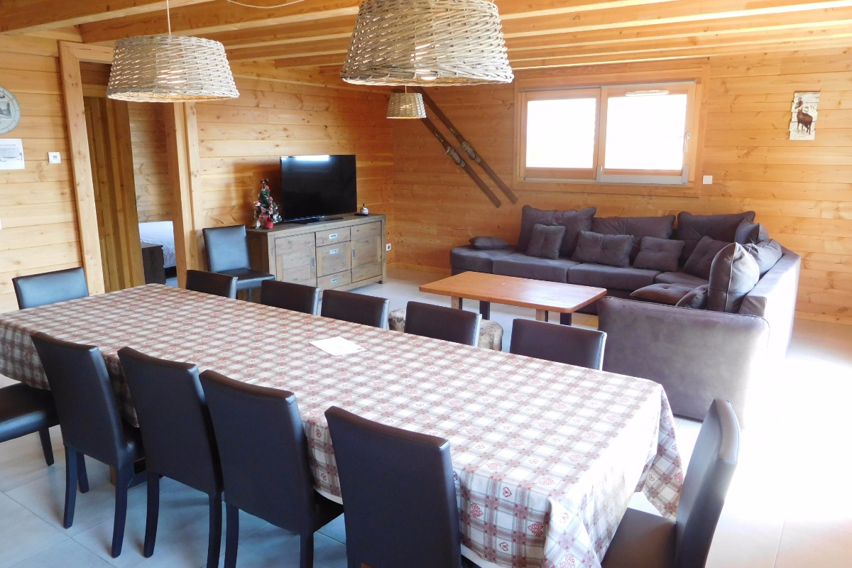 Appartement grande capacité Le Krissyann - chalet neuf La Toussuire en Savoie - domaine skiable Les Sybelles - séjour / salon  - Location de vacances - La Toussuire