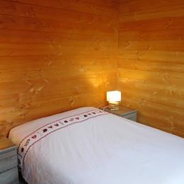 Appartement grande capacité Le Krissyann - chalet neuf La Toussuire en Savoie - domaine skiable Les Sybelles - chambre double RDC - Location de vacances - La Toussuire