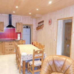 Appartement Le Lièvre Blanc - Chalet neuf à La Toussuire en Savoie - pièce de vie  - Location de vacances - La Toussuire