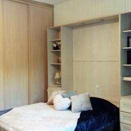 Le lit et la penderie - Location de vacances - Aix-les-Bains