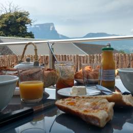 Gîte avec vue sur les montagnes, massif chartreuse, massif des bauges, Savoie 4 personnes - Location de vacances - Sainte-Hélène-du-Lac