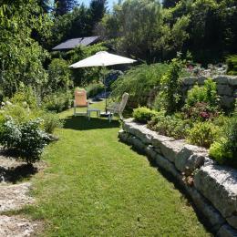 votre jardin aménagé pour le repos - Location de vacances - Novalaise