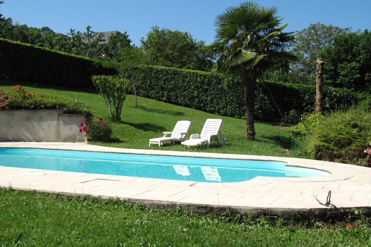Appartement vacances pour 4 personnes à Chateauneuf (Savoie - Chambéry) idéal famille, piscine privée - Location de vacances - Châteauneuf