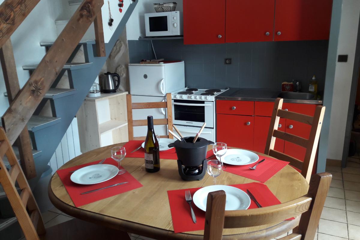 Le coin repas et sa cuisine - Location de vacances - Valmorel