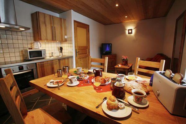 Location appartement à Valloire pied des pistes - Séjour coin cuisine - Location de vacances - Valloire