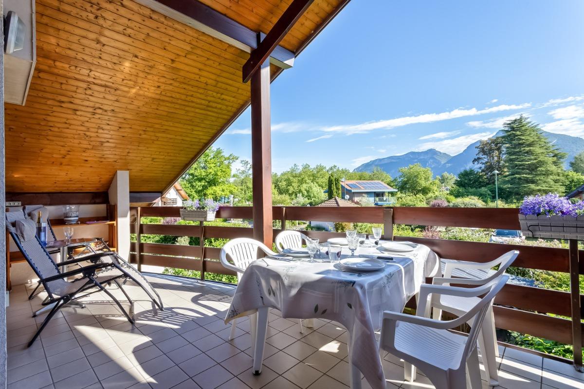 Vue aérienne du très bel emplacement de l'appartement - Location de vacances - Saint-Jorioz