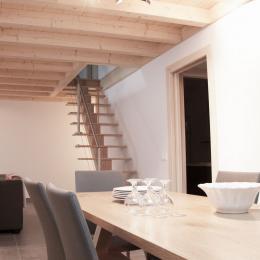 L'Arclosan - Salle à manger et cuisine - www.entrelacetmontagnes.com - Location de vacances - Faverges-Seythenex
