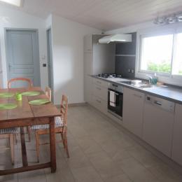 La cuisine - Location de vacances - Mésigny