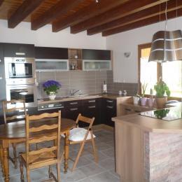 La cuisine  - Location de vacances - Dingy-Saint-Clair