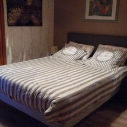 Chambre 1ier Literie de 160 cm -Balcon privatif - Location de vacances - Dingy-Saint-Clair