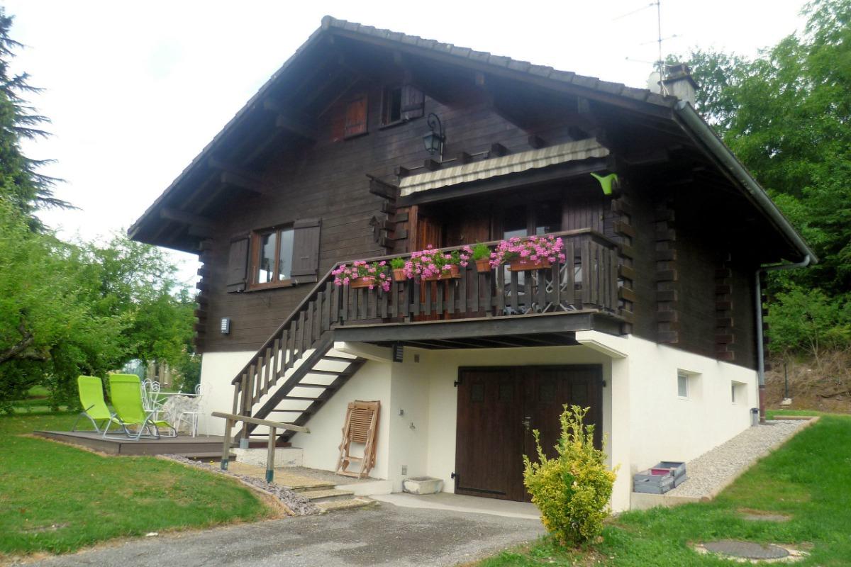 la facade - Location de vacances - Charvonnex
