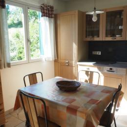 La salle à manger - Location de vacances - Mésigny