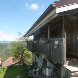 entrée par le balcon - Location de vacances - Brizon