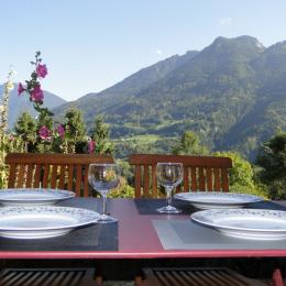 En été sur la terrasse - Location de vacances - Vinzier