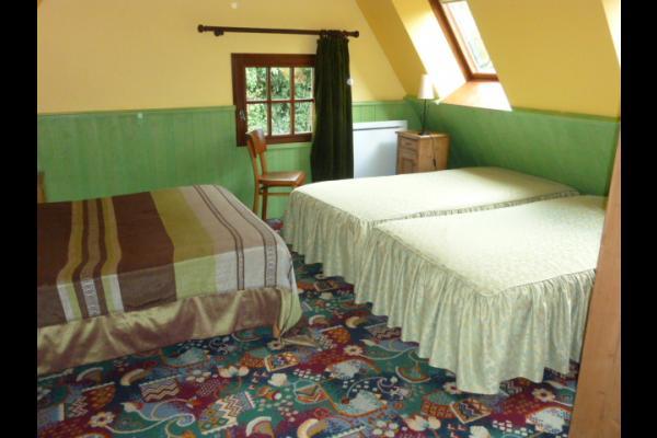chambre de l'étage du logt 5 - Location de vacances - Montville