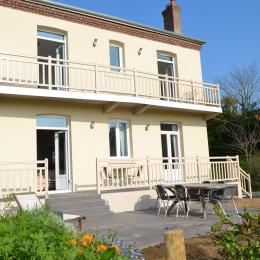 Chante-Brise, face à la mer - terrasse 24 m2 - 2 balcons - Location de vacances - Sainte-Marguerite-sur-Mer