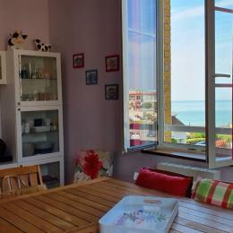 Salon et Salle à manger, vue sur mer - Location de vacances - Veules-les-Roses