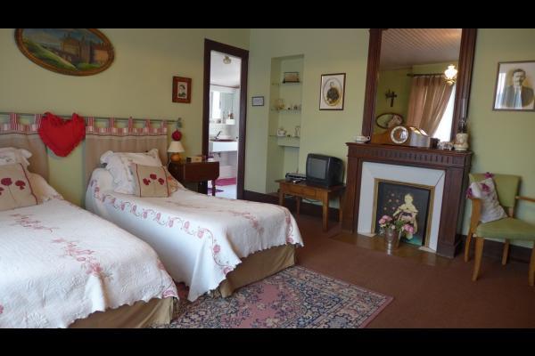 Chambre D Hotes Pour 4 Pers Dans Une Villa De Charme A Etretat