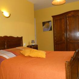 chambre 2 (lit 140X180) - Location de vacances - Bordeaux-Saint-Clair