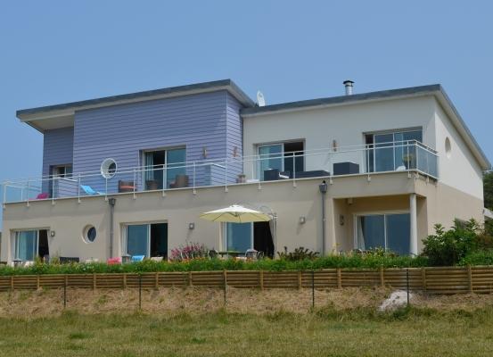 La maison et ses chambres d'hôtes au 1er étage
