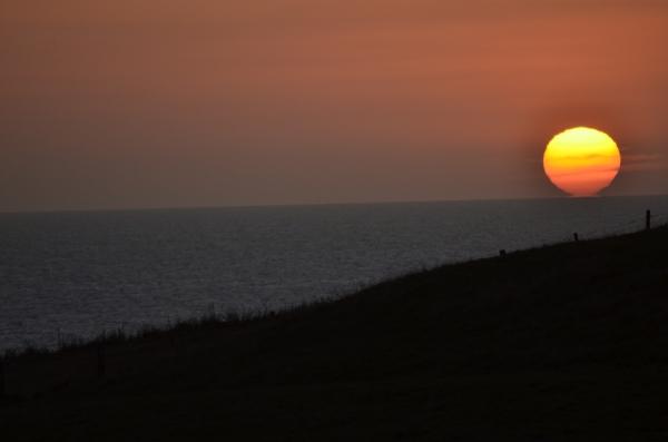 Coucher de soleil (au zoom) pris de la terrasse