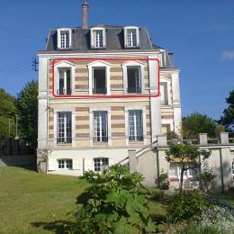studio encadré rouge - Location de vacances - Étretat