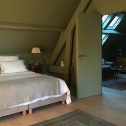 Suite Mélisse - baignoire îlot dans chambre principale - Chambre d'hôtes - Octeville-sur-Mer