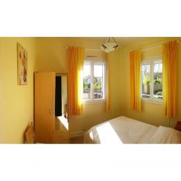 la chambre soleil bien nommée - Location de vacances - Le Mesnil-le-Roi