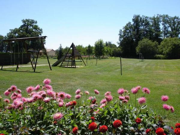terrain de jeux - Location de vacances - Caunay