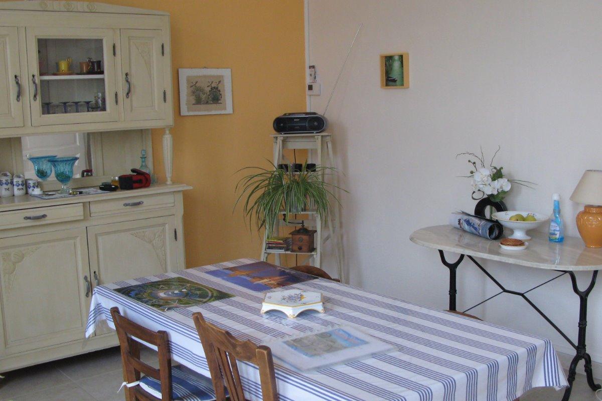Maison en centre ville quartier calme niort 4 5 for Location de garage niort