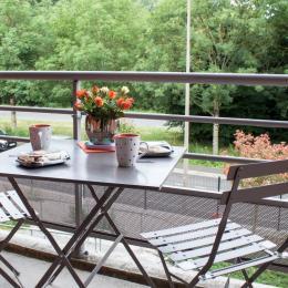 Petit déjeuner sur balcon - Location de vacances - Niort