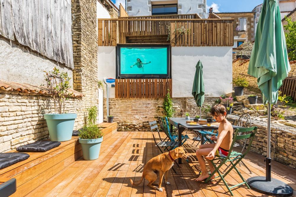 Terrasse et piscine  - Location de vacances - Arçais