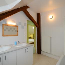 salle de bain à l'étage - Location de vacances - Fleigneux
