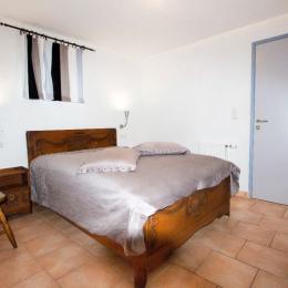 Chambre double PMR avec SDB - Location de vacances - Chooz