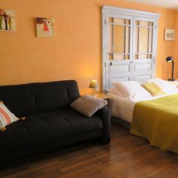 chambre orange - Chambre d'hôtes - Charleville-Mézières