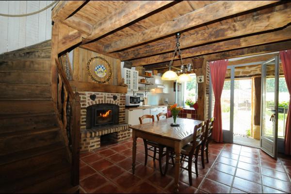 Repas au coin du feu... - Location de vacances - Escombres-et-le-Chesnois