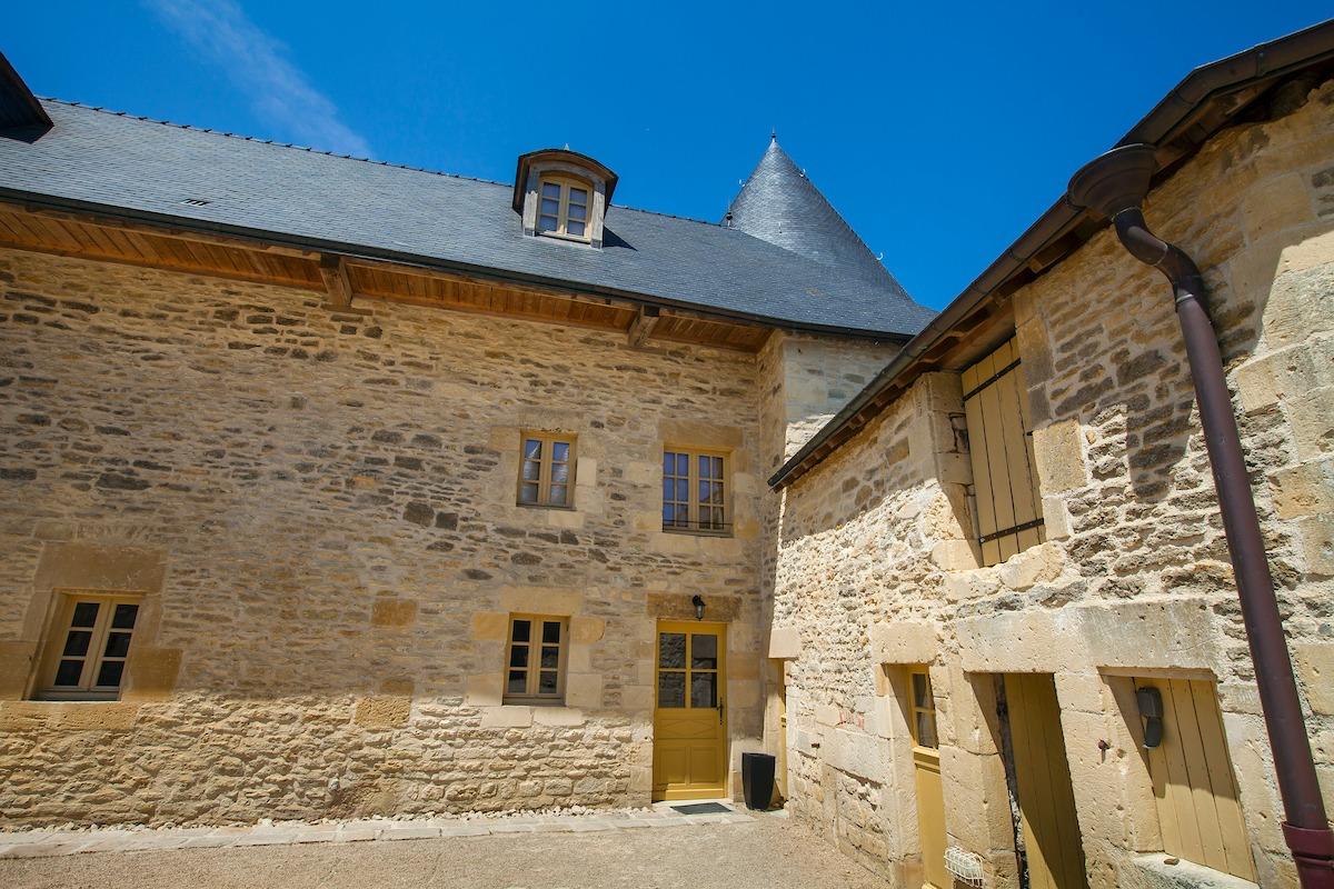 Gite de la Tour de Guet - Location de vacances - Charbogne