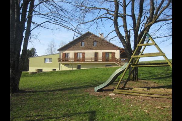 maison vue devant - Location de vacances - Saint-Pierremont