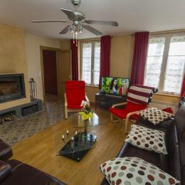 Le Cottage Abel, gîte familial avec cheminée dans les Ardennes - le salon - Location de vacances - Rubigny