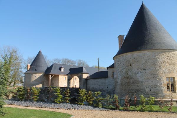 Château de Charbogne : un château du XVIème siècle en Champagne Ardenne - Location de vacances - Charbogne