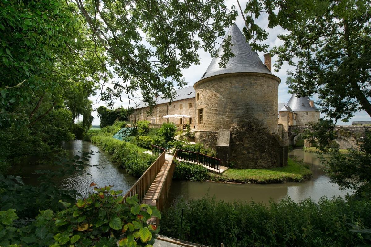 Chambre 4 au 1er étage - gîte du pont Château de Charbogne