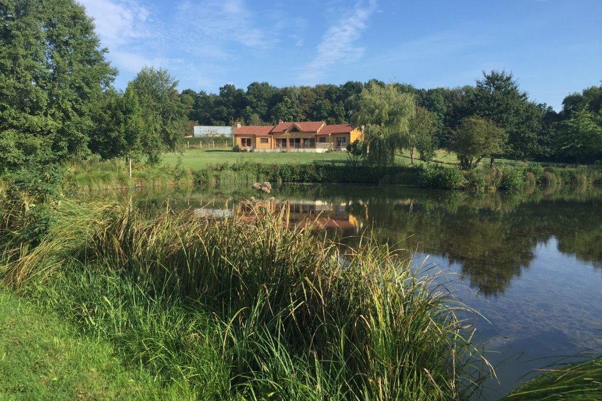 Chalet vu des étangs - Location de vacances - Louvergny