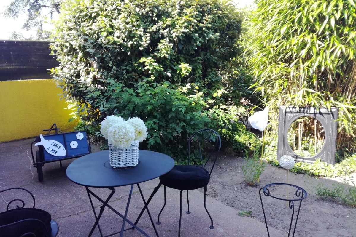 La terrasse donnant sur le jardin - Location de vacances - Le Crotoy