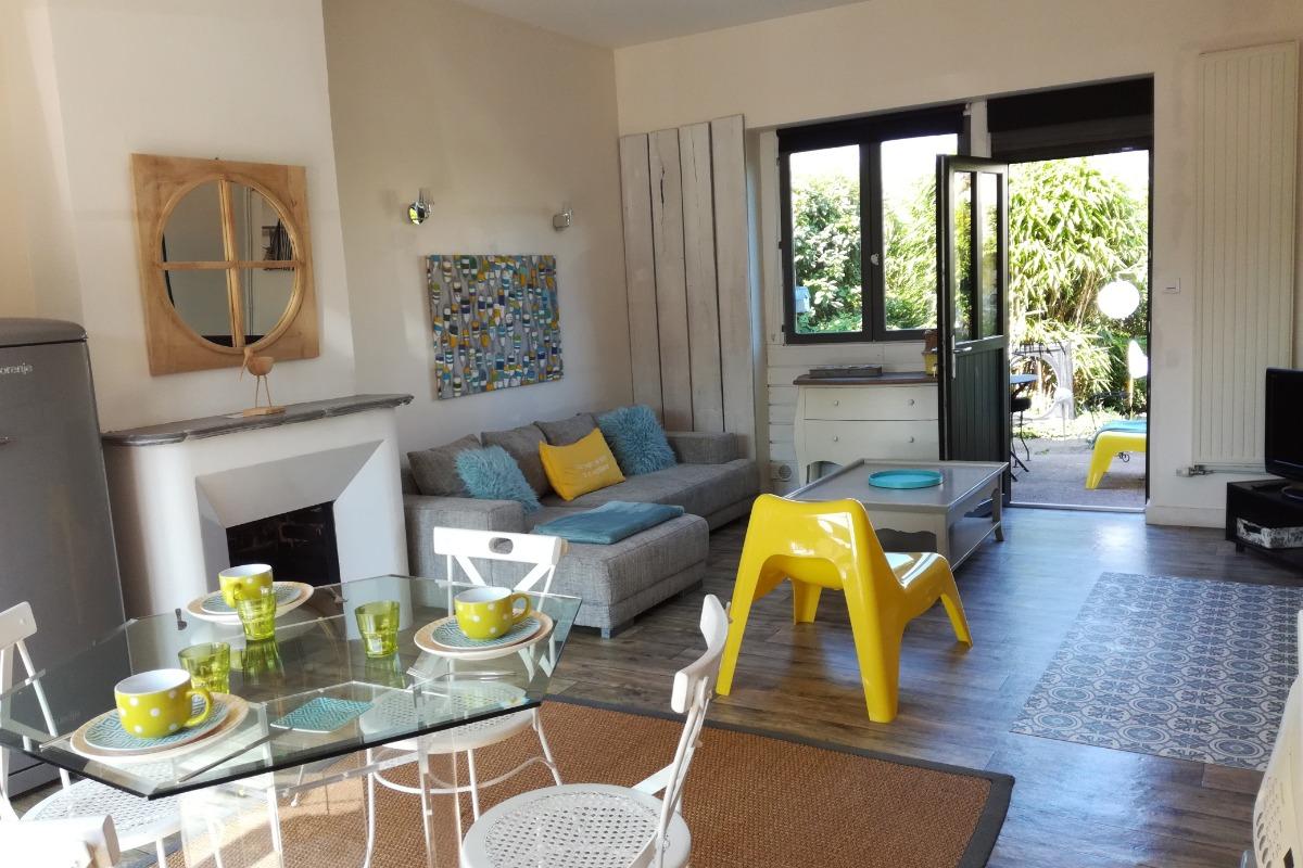 Le séjour donnant sur le jardin - Location de vacances - Le Crotoy