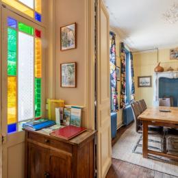 cuisine. Cuisinière gaz. Très bien équipée. Fond de cuisine à disposition - Location de vacances - Saint-Valery-sur-Somme