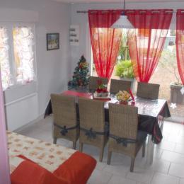 jolie salle tout en couleurs   - Location de vacances - Saint-Blimont