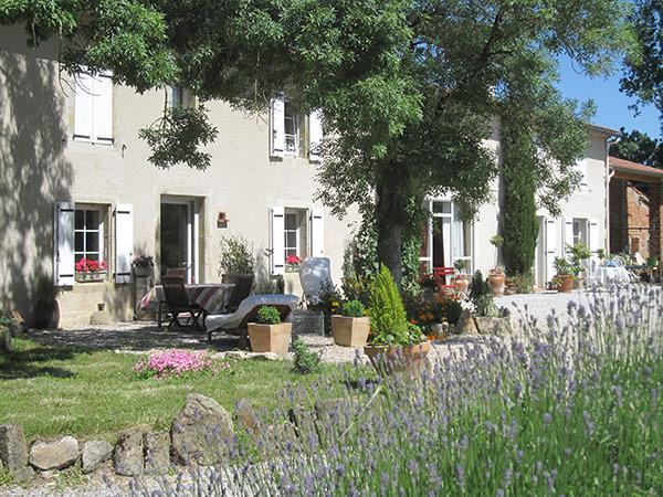 jardin fleuri - Vivier Les Montagnes - Tarn -  - Chambre d'hôtes - Viviers-lès-Montagnes